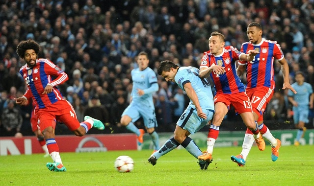 Sergio Aguero scores against Bayern Munich